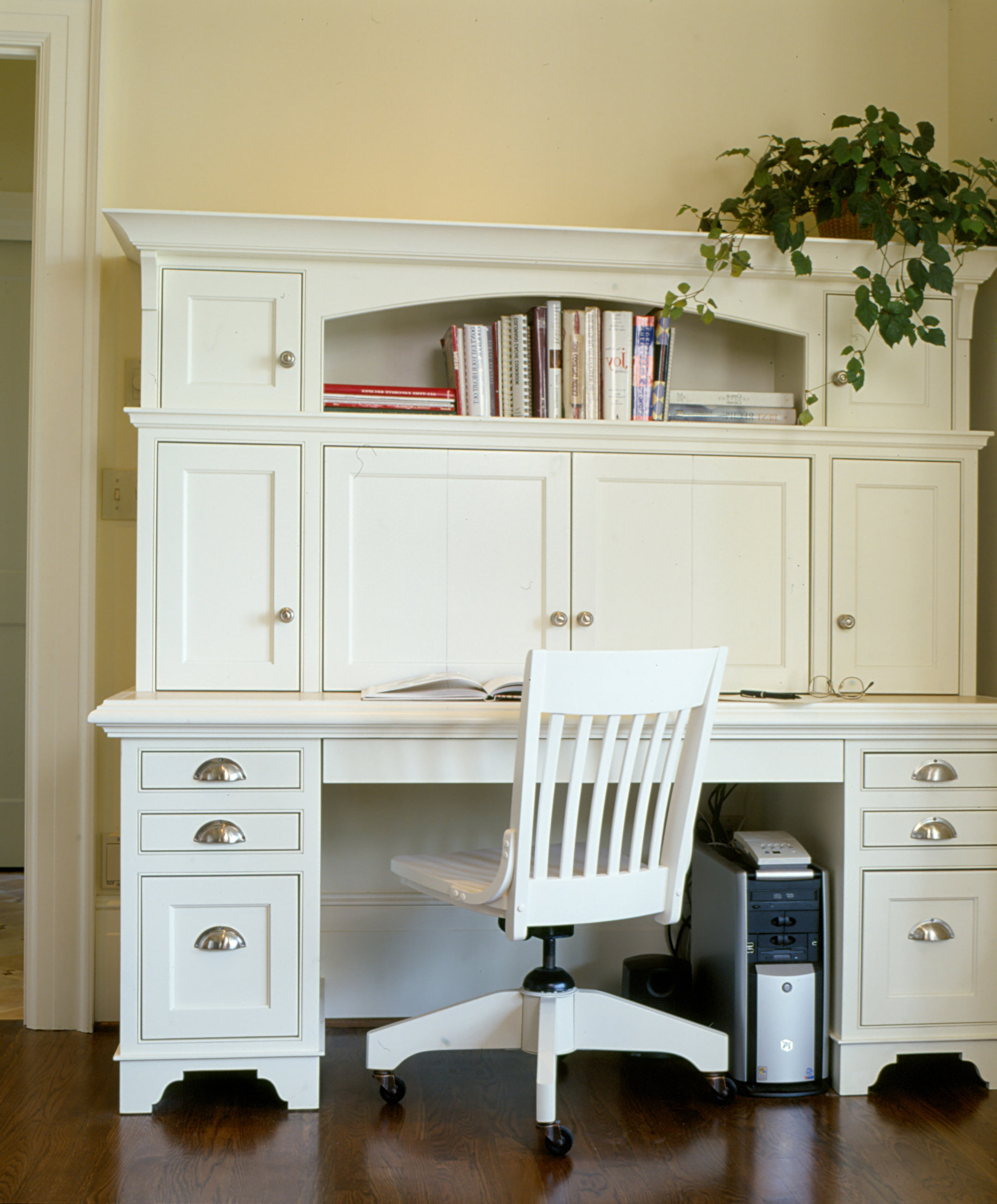 kitchen cabinet outlet southington ct. Black Bedroom Furniture Sets. Home Design Ideas
