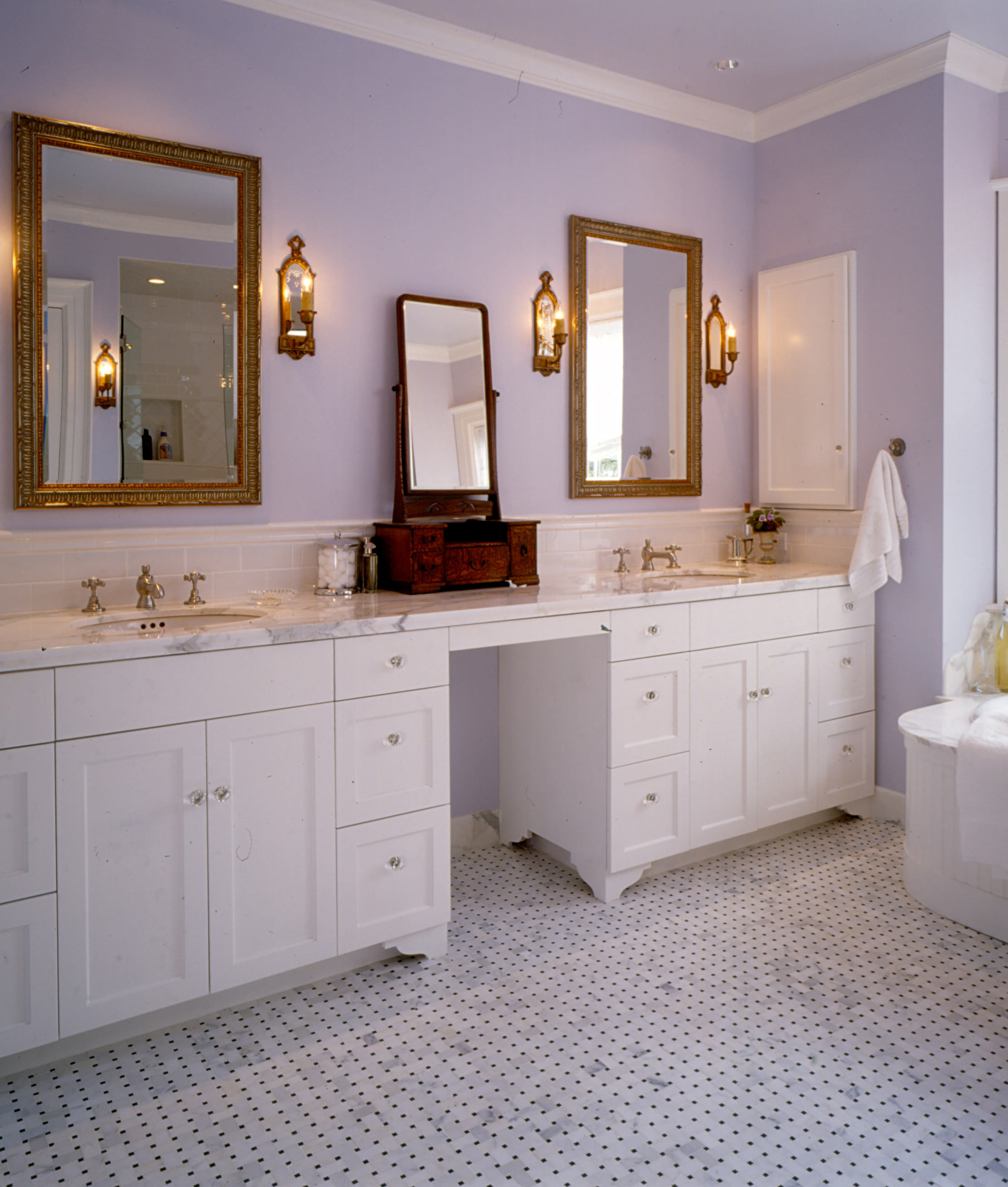 6 CURRENT TRENDS IN CABINETRY